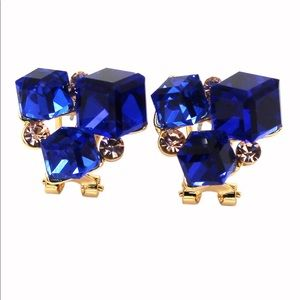 Blue square crystal golden earrings